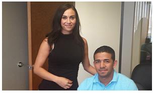 Oscar Maynez y su agente Contessa Quintana
